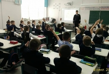 Стражи дорог Елабуги провели профилактические беседы с учениками Набережночелнинских школ