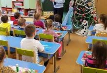 Сотрудники столичной Госавтоинспекции провели мастер-класс «Светофор» с дошкольниками