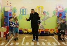 В Норильске сотрудники ГИБДД проводят уроки безопасности