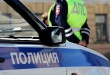 В Вологодской области инспекторы ДПС помогли водителю отбуксировать сломавшийся автомобиль