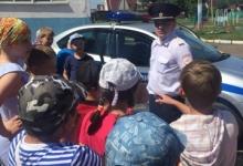 В период летних каникул Госавтоинспекторы напомнили детям основы дорожной безопасности