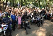 Ставропольские байкеры рассказывают детям, отдыхающим в оздоровительных лагерях, о правилах дорожной безопасности