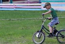 Госавтоинспекция Томской области рекомендует родителям школьников обсудить с детьми правила управления велосипедом