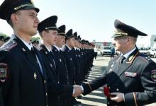 Полицейским Татарстана вручили ключи от новых служебных автомобилей