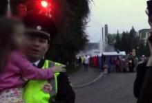В Кемеровской области сотрудники ГИБДД помогли вернуться домой заблудившейся 5-летней девочке