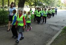 Тактику грамотного поведения на дороге выработали новгородские школьники на обучающей экскурсии «дом-школа-дом»
