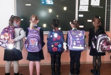 Ярких школьников на дорогах Хакасии с каждым днем становится все больше