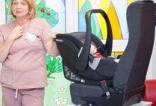 В Красноярском крае 40 будущих мам посетили тренинги по безопасной перевозке новорожденных детей