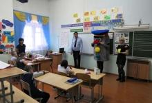 В Чебаркуле сотрудники полиции приняли участие в школьном мероприятии «Посвящение в пешеходы»