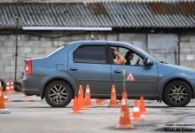 В ГИБДД поддержали идею выдавать водительские права несовершеннолетним