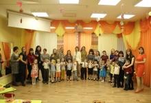 В Балтымском детском саду № 8 малыши и мамы изготовили световозращающие поделки