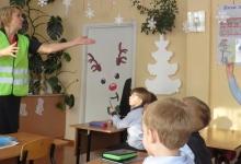 В школах Хакасии внеурочная деятельность помогает формировать у детей навыки безопасного поведения на дороге