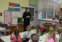 Сотрудники ГИБДД Ярцевского района провели занятие с воспитанниками детского сада