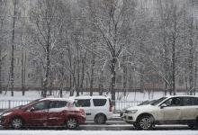Госавтоинспекция призвала водителей вПодмосковье соблюдать скорость из‑заснегопада