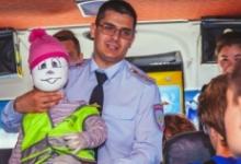 Участники Всероссийского и Межгосударственного слетов ЮИД познакомились с работой автобуса-тренажера «Школа дорожной безопасности»