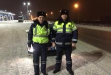 Жительница Казани поблагодарила инспекторов ДПС за помощь на дороге