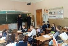 В Полесском районе сотрудники Госавтоинспекции и ПДН провели беседу со школьниками