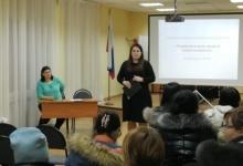 Сотрудники Североморской Госавтоинспекции продолжают проводить профилактическую работу с родителями школьников