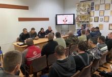 В городе Джанкое Госавтоинспекторы провели серию профилактических бесед в автотранспортных предприятиях