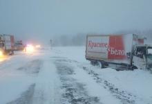 Дорожная обстановка из-за метеоусловий в Тюменской области остается напряженной