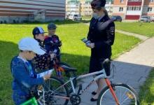 В Кирове во дворах микрорайонов автоинспекторы проводят уроки дорожной безопасности