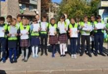 Сотрудники Госавтоинспекции Рославльского района совместно со школьниками провели акцию «Письмо водителю»
