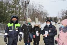 В преддверии школьных каникул дорожные полицейские совместно с представителями общественности призвали водителей к соблюдению правил ПДД