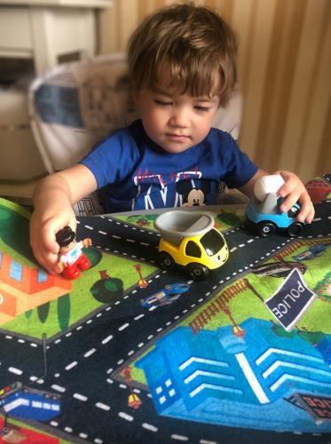 Сотрудники ГИБДД рекомендуют родителям повторить с детьми дорожные правила