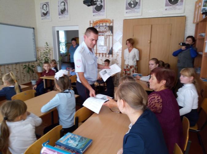 Руководители Госавтоинспекции в районах Липецкой области при содействии журналистов напомнили землякам об основных факторах дорожного риска