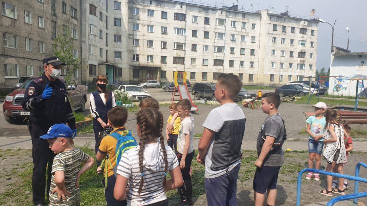 Полицейские Магаданской области присоединились к акции «Безопасный двор»