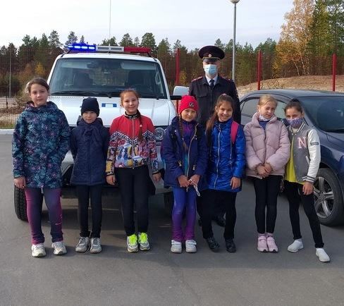 Автоинспекторы Ноябрьска провели мероприятие по безопасности дорожного движения