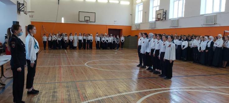 В Казани автоинспекторы провели смотр песни и строя в рамках «Недели мужества»
