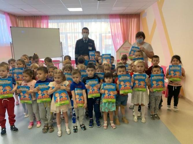 Автоинспекторы Нижнекамска провели мероприятие «Азбука безопасности»
